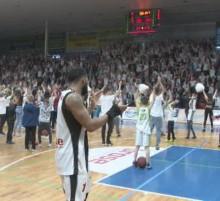 Basket Levice win