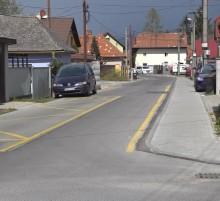 Cyklisti jazdia v protismere.mp4 snapshot 00.01.498