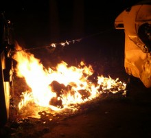 podpalene kontajnery